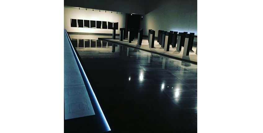 "Installation view of the exhibition ""Menhirs"" at the University of Navarra Museum (2018)."