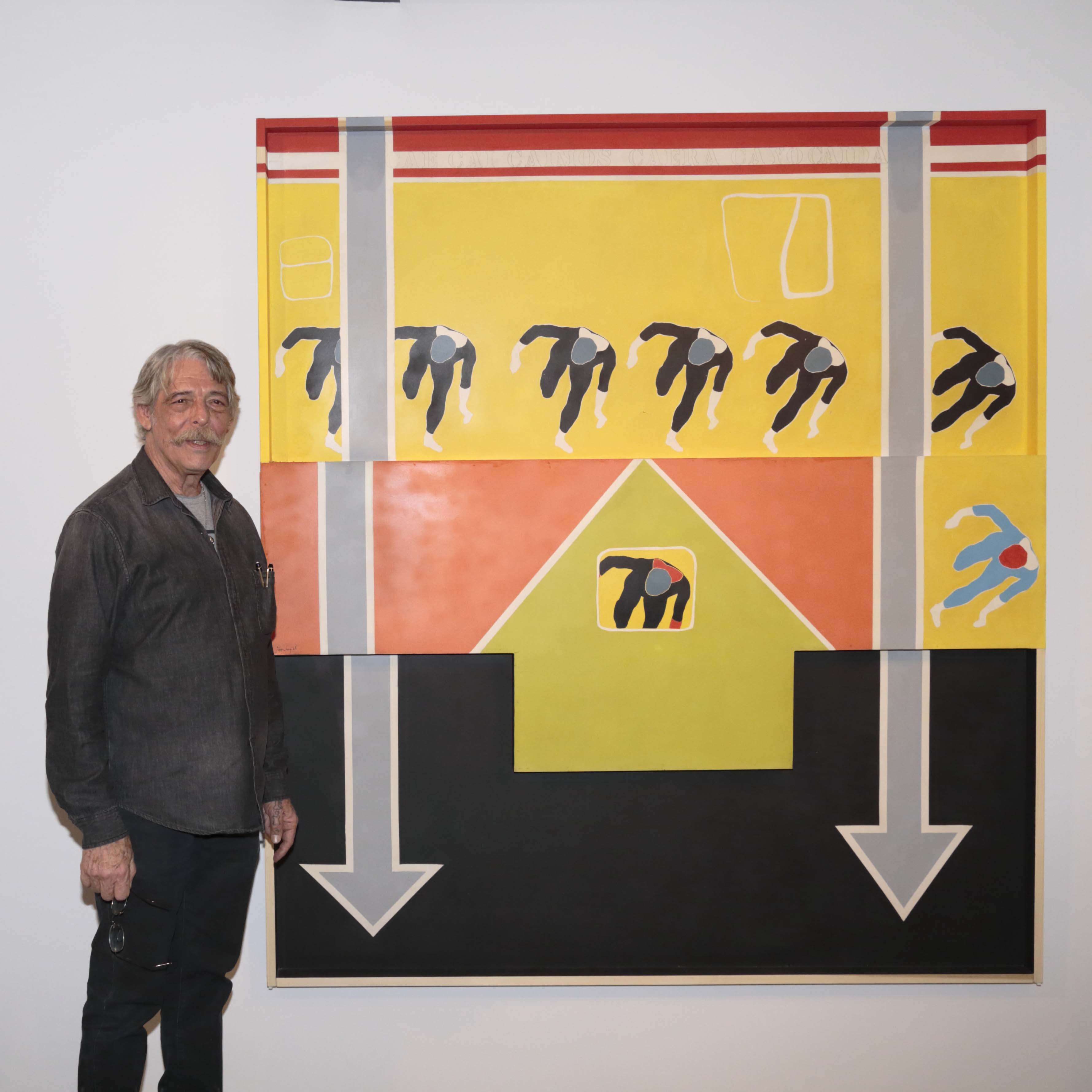 "Felipe Ehrenberg beside his work: ""La caída"". 1968. Acrylic on fiberglass. 200 x 180 x 5.5 cm. Currently in the permanent exhibition of MNCARS, Madrid."