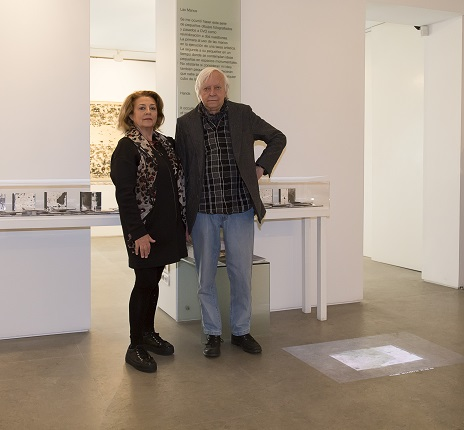"Enrique Brinkmann and Angustias Freijo in the exhibition ""Artistic Neuroconexions""."