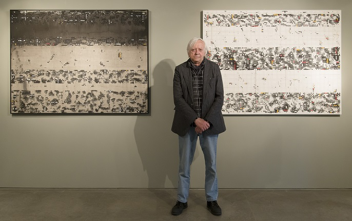 "Enrique Brinkmann in his exhibition ""Artistic Neuroconexions""."