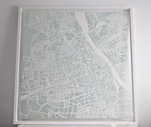 """Growing city,"" 2018. Drawing on fragmented glass with methacrylate support, 135 x 135 x 5 cm."