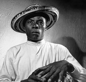 Vallenato traditional percussionist, Valledupar Colombia. 1955. Vintage silver/gelatin. 25,3 x 20,5 cm.